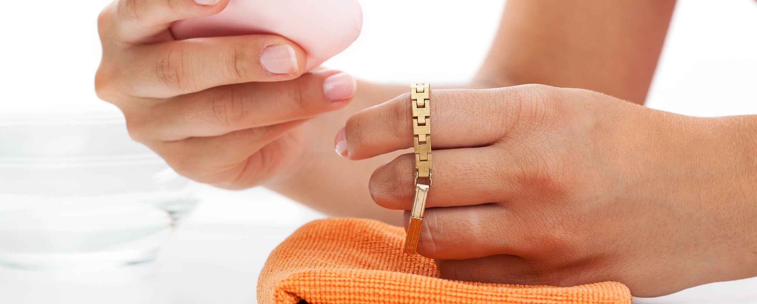 Рекомендации по уходу за ювелирными украшениями и столовым серебром